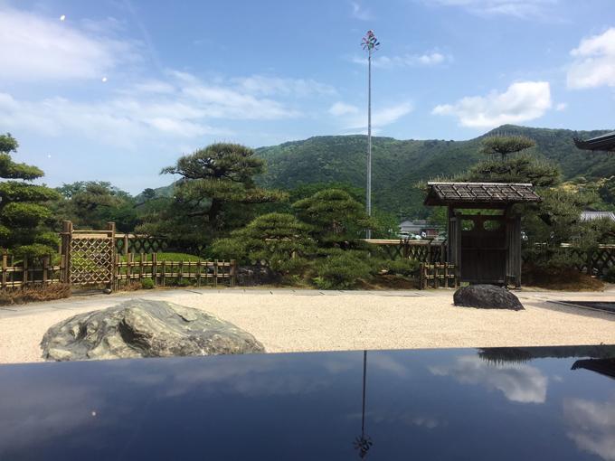 おかげ横丁の茶屋の中庭